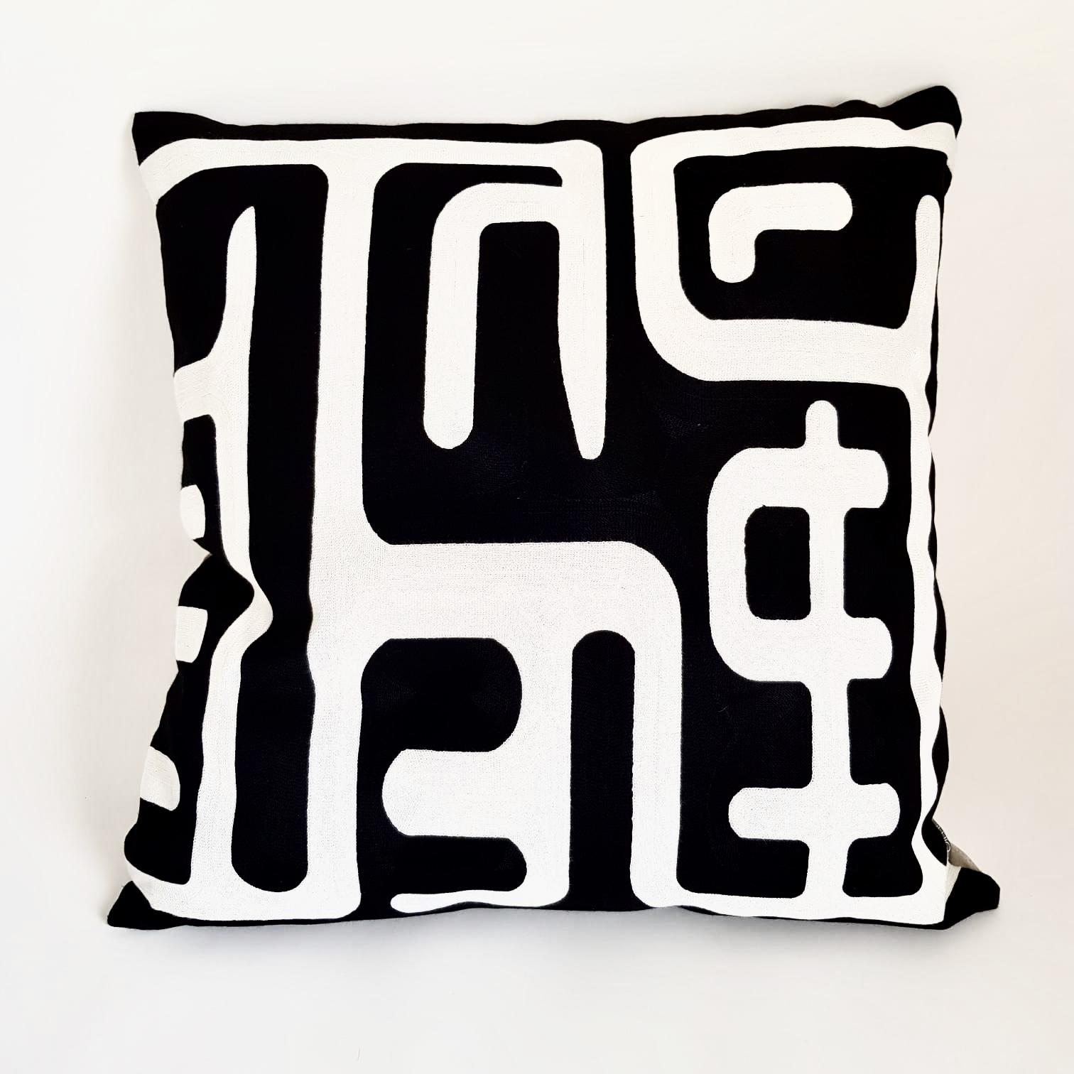 pillow-valencia